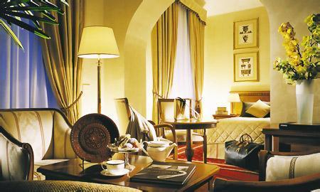 Photo 3 - Empire Palace Hotel