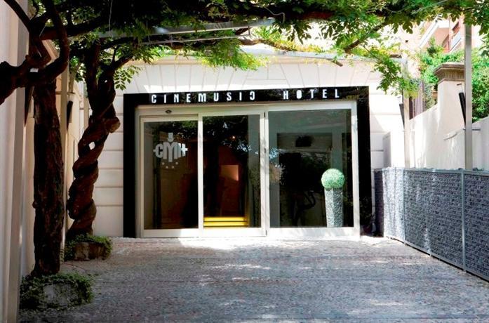 Photo 3 - CineMusic Hotel