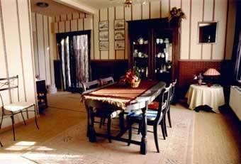 Photo 3 - Andre's Bed & Breakfast