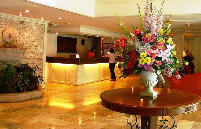 Photo 1 - De Luxe Hotel