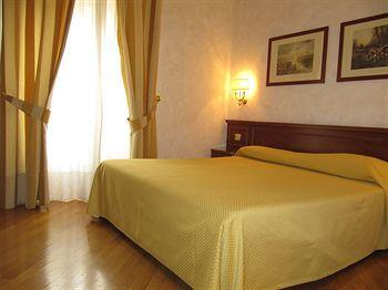 Photo 2 - Rome Central Suites