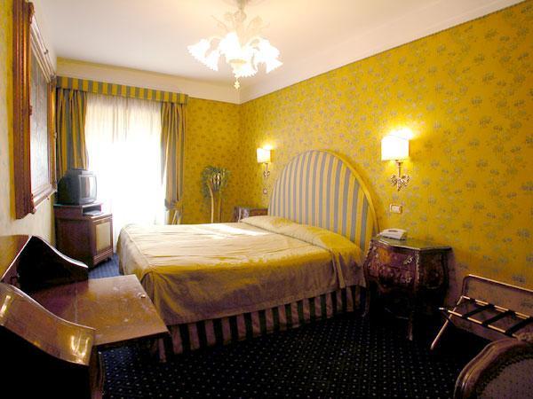 Photo 2 - Hotel Scalinata Di Spagna