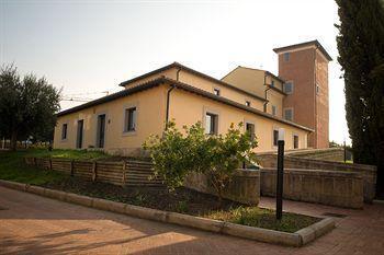 Photo 1 - Ostello Casale Dei Monaci