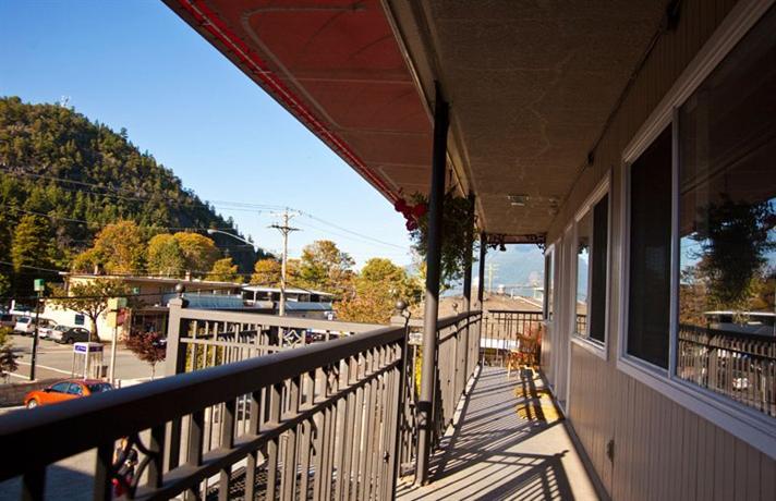 Photo 2 - Horseshoe Bay Motel