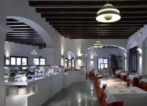 Photo 3 - Fiesta Hotel Cala Gracio