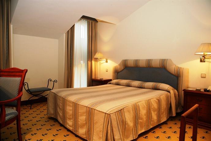 Photo 2 - Hotel El Ancla