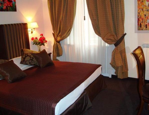 Photo 1 - Rome 55 Rooms Hotel