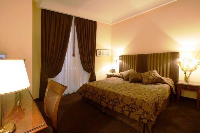 Photo 2 - Rome 55 Rooms Hotel