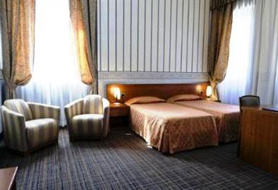 Photo 1 - Clarhotel