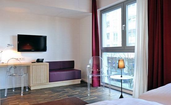 Photo 3 - Grimm's Hotel