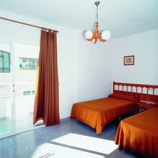Photo 2 - Marian Apartments