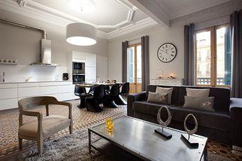 Photo 2 - City Centre Rent Top Apartments
