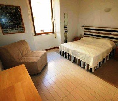 Photo 2 - Opera Inn Suites B&B