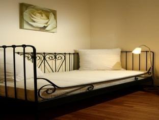 Photo 2 - Vatican Apartments