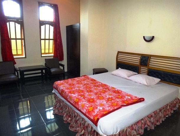 Photo 1 - Hotel Pakuning Yogyakarta