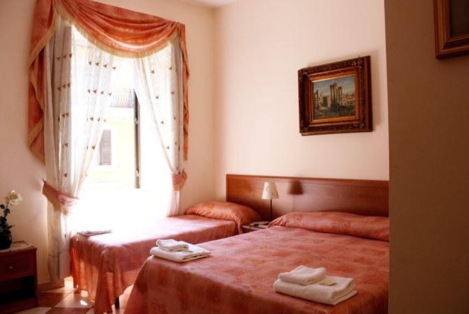 Photo 3 - Panoramic Hostel