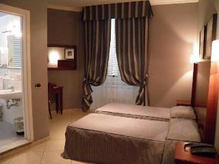 Photo 2 - Taormina Hotel