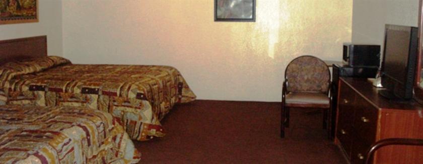 Photo 3 - Choice Inn Motel San Antonio