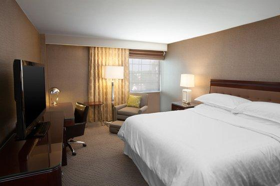 Photo 3 - Sheraton Pittsburgh Airport Hotel