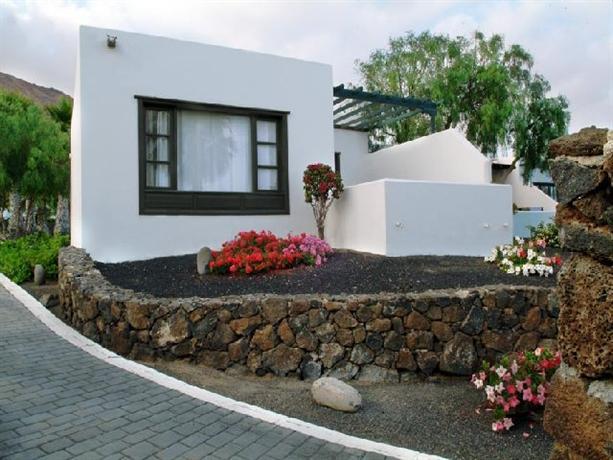 Photo 2 - Apartamentos Natura Garden