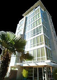 Photo 1 - 910 Beach Avenue Apartment Hotel