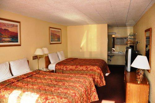 Photo 3 - Northwood Inn & Suites Bloomington (Minnesota)