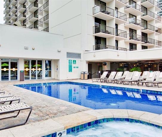 holiday inn waikiki beachcomber resort hotel 2300. Black Bedroom Furniture Sets. Home Design Ideas