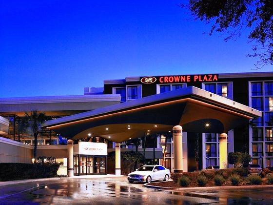 Photo 3 - Crowne Plaza Jacksonville Airport Hotel
