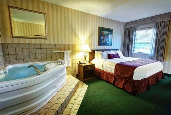 Photo 3 - LivINN Hotel Sharonville