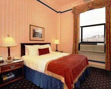 Photo 2 - Hotel Whitcomb
