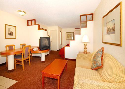 Photo 3 - Quality Inn & Suites SeaWorld North