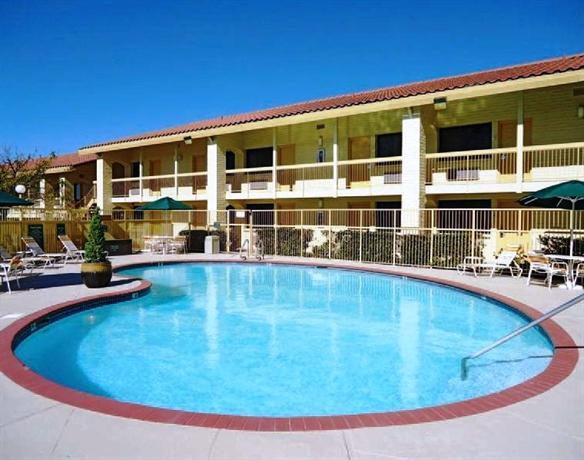 Photo 1 - La Quinta Inn Albuquerque Northeast
