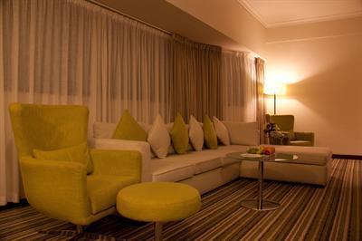 Photo 3 - Avari Dubai Hotel