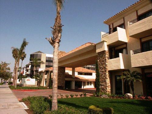 Photo 2 - Tropicana Inn & Suites