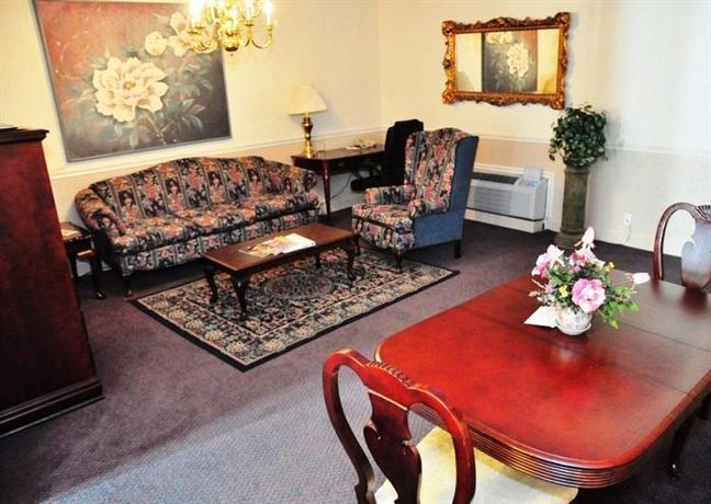 Photo 2 - Best Western Chateau Louisiana Suite Hotel