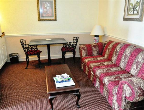 Photo 3 - Best Western Chateau Louisiana Suite Hotel