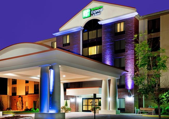 Photo 1 - Holiday Inn Express Chesapeake