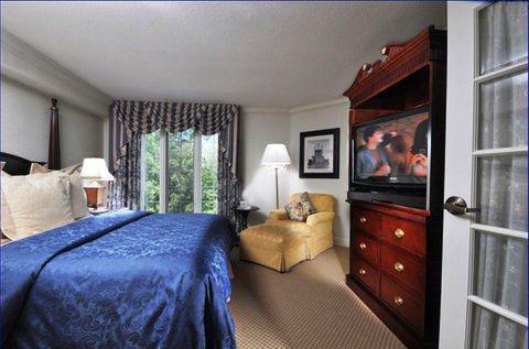 Photo 2 - Washington Duke Inn and Golf Club