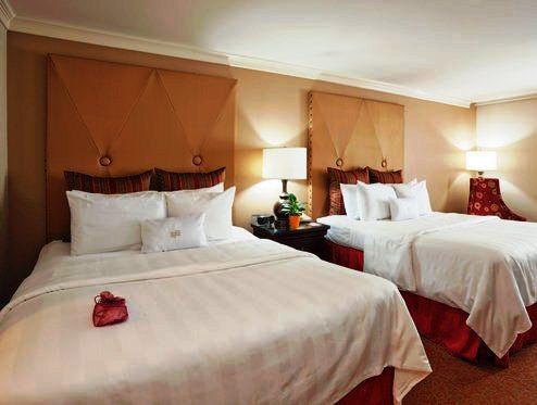 Photo 1 - Crowne Plaza Hotel Astor-New Orleans