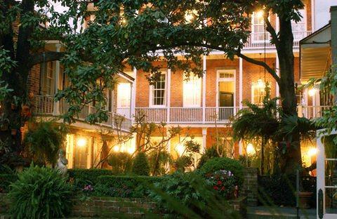 Photo 1 - Place d'Armes Hotel
