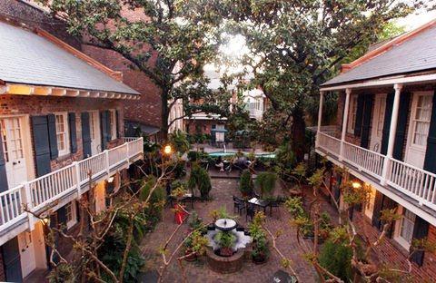Photo 3 - Place d'Armes Hotel