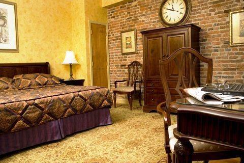 Photo 1 - Penn's View Hotel Philadelphia