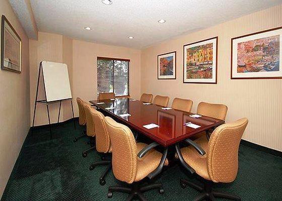 Photo 3 - Econo Lodge Inn & Suites Raleigh