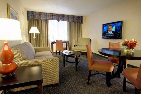 Photo 3 - Avenue Suites-A Modus Hotel