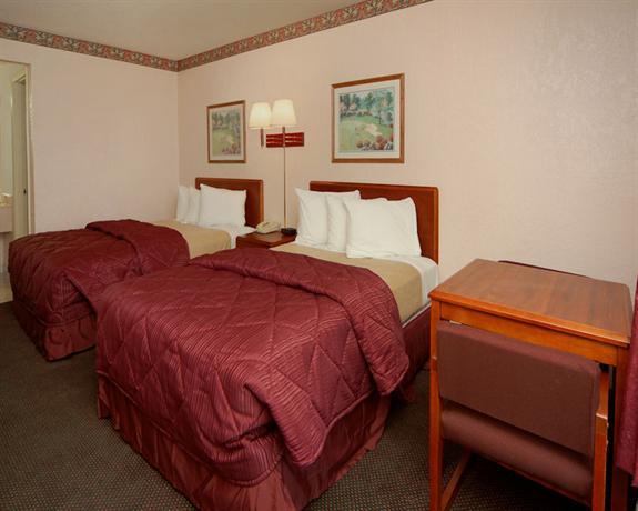 Photo 3 - America's Best Inn and Suites Altamonte Springs