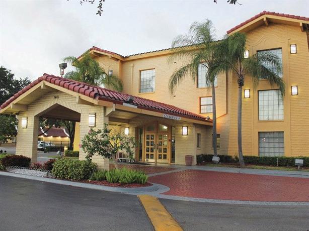 Photo 1 - La Quinta Miami Airport North