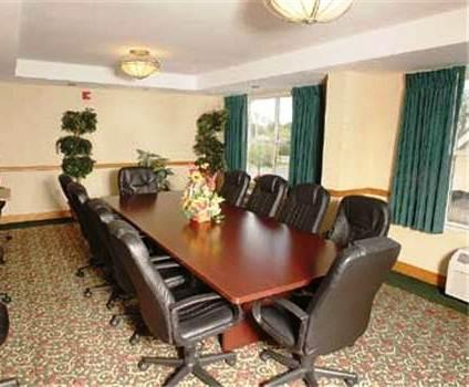Photo 1 - Country Inn & Suites Orlando Universal