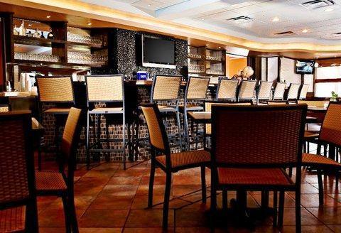 Photo 1 - Tahitian Inn Hotel Cafe & Spa