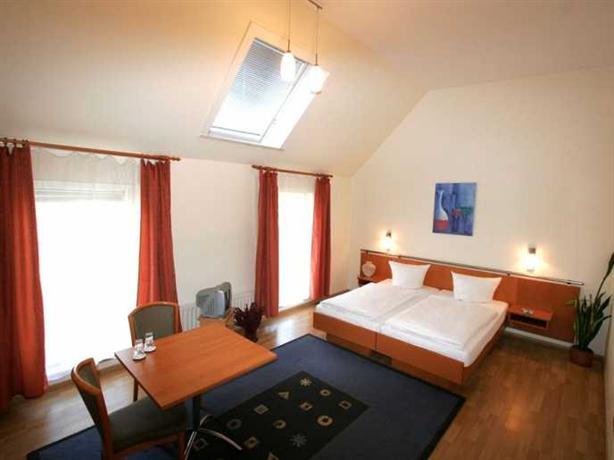 Photo 1 - Hotel Pension Arta