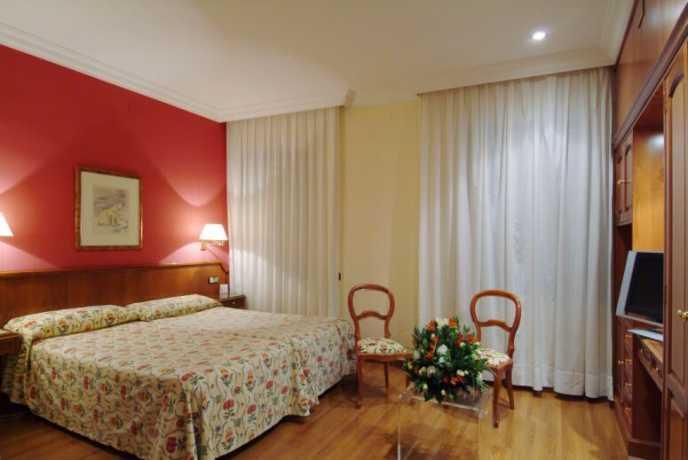 Photo 2 - Regencia Colon Hotel